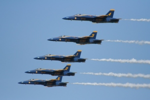 Blue_angels_flyby_in_column