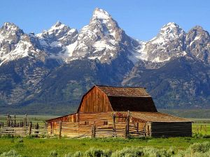Barns_grand_tetons_mountains
